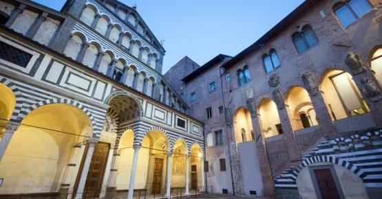 pistoia-la-facciata-della-cattedrale-di-san-zeno